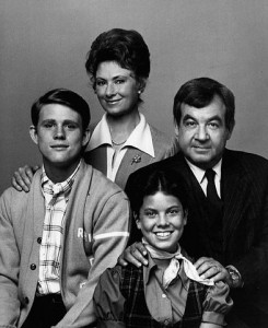 http://commons.wikimedia.org/wiki/File:Cunningham_family_Happy_Days_1974.JPG