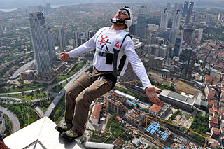 https://commons.wikimedia.org/wiki/File:BASE_Jumping_from_Sapphire_Tower_in_Istanbul.jpg